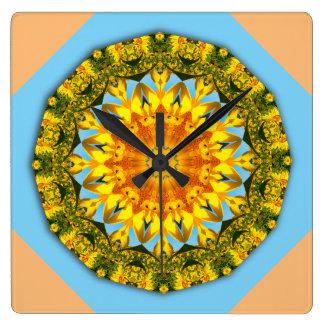 Blume-Mandala, Sonnenblume 002 Quadratische Wanduhr