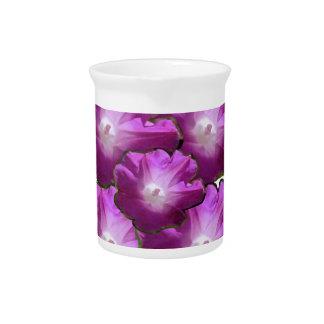 Blumen-Blumenstrauß-Geschenk-Grüße des Getränke Pitcher