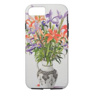 Blumen in einem Schwarzweiss-Krug iPhone 8/7 Hülle