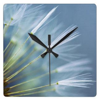 Blumen-Löwenzahn-Samen-Kopf Quadratische Wanduhr