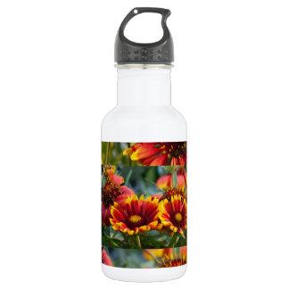 Blumen-Show: Verschiedene Bühnen der wilden Blüte Trinkflasche
