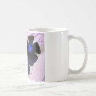 Blumen umgewandelt kaffeetasse