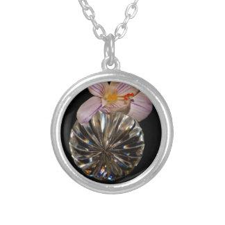 Blumen und Kristall Versilberte Kette