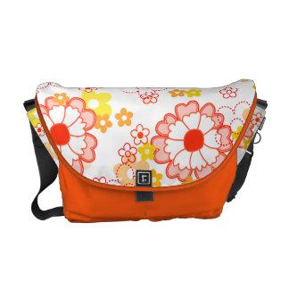 Blumenbotetasche mit hübschen orange Blumen Kuriertasche