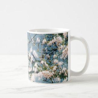 BlumendruckTasse - Blau und Himmel entwerfen Kaffeetasse
