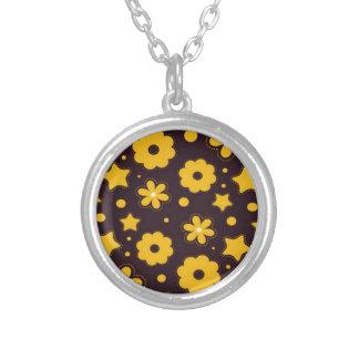 Blumenfahnen-Hauptentwurf Halskette Mit Rundem Anhänger