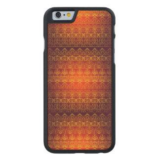 Blumenkönigliches antikes Luxusmuster Carved® iPhone 6 Hülle Ahorn