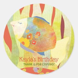 Blumiger Baby-Fisch-Geburtstag danken Ihnen zu Runder Aufkleber