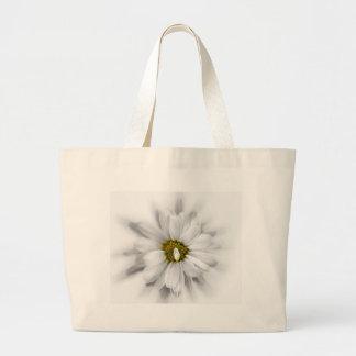 Blüte in den Schatten von Weiß Jumbo Stoffbeutel