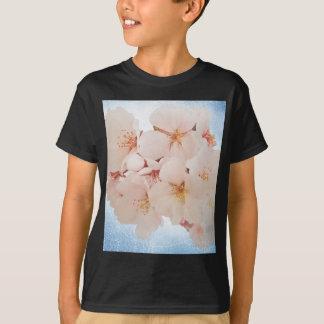 Blüte in Pantone Lapis Blau T-Shirt