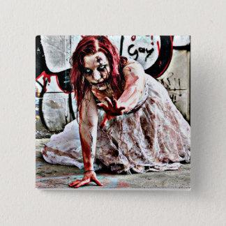 Blutiges Zombie-Mädchen, Zombie-Apokalypse-Knopf Quadratischer Button 5,1 Cm