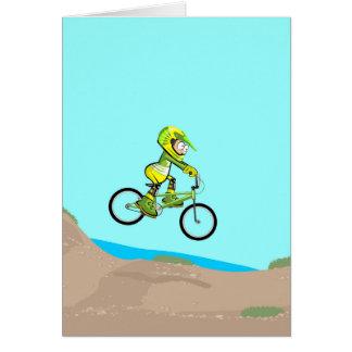 BMX junger Radsport senkt zu der Spur des Karte