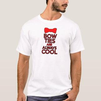 Bogen-Krawatten sind immer cool T-Shirt