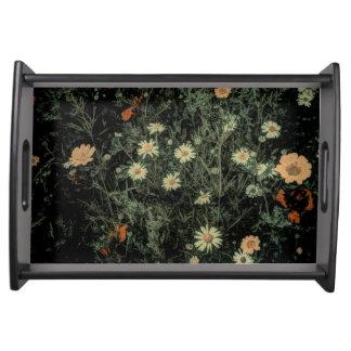 böhmisches Wildblumeschwarzes des weißen Tablett