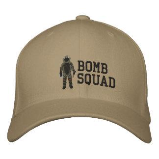 Bomben-Anzug Bestickte Kappe
