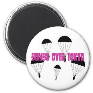 Bomben über Tokyo-Magneten Runder Magnet 5,1 Cm