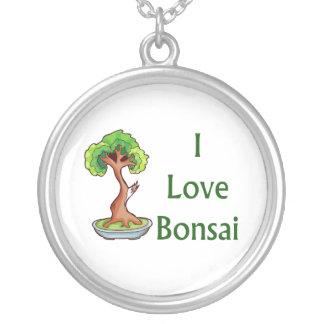 Bonsais der Liebe I in grünem Text shari Baum Versilberte Kette