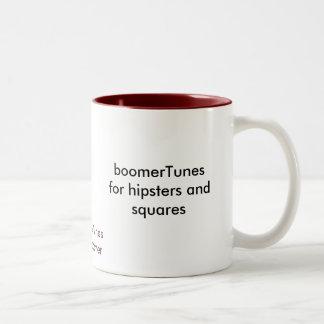 boomerTunesfor Hipster und Quadrate, boomerTune… Zweifarbige Tasse