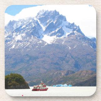 Boot und Berge, Patagonia, Chile Getränkeuntersetzer