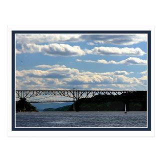 Boot und Brücken Postkarte