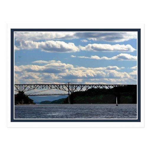 Boot und Brücken