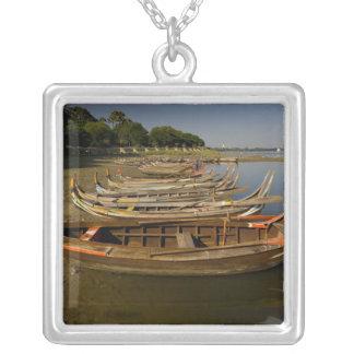Boote auf See zwischen Kyauktawgyi Paya und Versilberte Kette