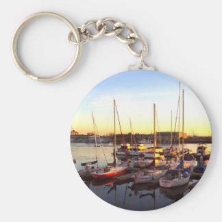 Boote im Jachthafen in Oakland, CA Schlüsselanhänger
