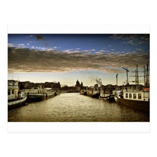 Boote in Amsterdam Postkarte