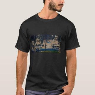 Boote in einem Hafen-Shirt T-Shirt