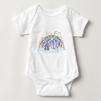 born in the year 2010 2011 angel rainbow music baby strampler