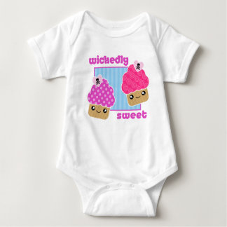 Bös süßes Kawaii Kuchen-Baby Baby Strampler