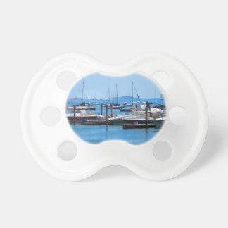 Boston-Hafen-Boots-Segel-SailBoats Seeansichten Schnuller