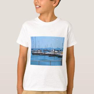 Boston-Hafen-Boots-Segel-SailBoats Seeansichten T-Shirt