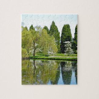 Botanischer Garten und Teich des Frühlinges Puzzle