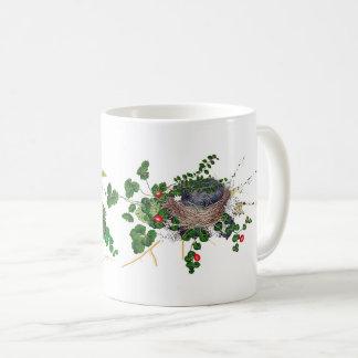 Botanisches Farn-Rebe-Vogel-Nest-rote Blumen-Tasse Kaffeetasse