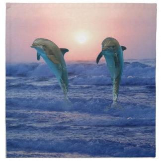Bottlenose-Delphin am Sonnenaufgang Serviette