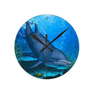 Bottlenose-Delphin Unterwasser Runde Wanduhr