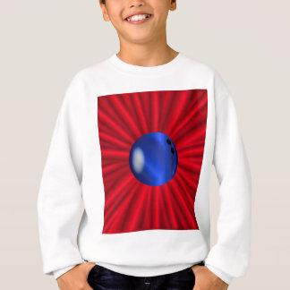 Bowlings-Ball über Rot Sweatshirt