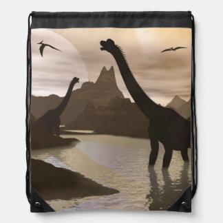 Brachiosaurusdinosaurier im Wasser - 3D übertragen Turnbeutel