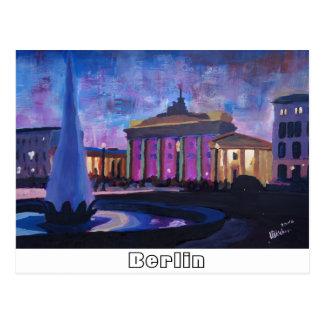 Brandenburger Tor Berlins Mit Brunnen an der Postkarte