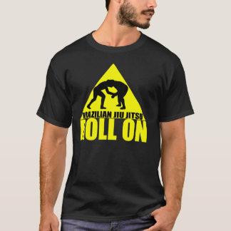 Brasilianer Jiu Jitsu - Rolle auf Dreieck T T-Shirt
