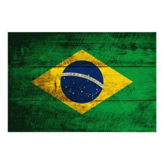 Brasilien-Flagge auf altem hölzernem Korn Foto