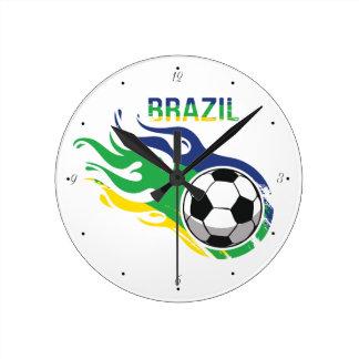 Brasilien und Fußball Runde Wanduhr