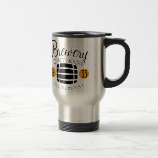 Brauerei-Logo-Entwurfs-Schablone mit Fass Reisebecher