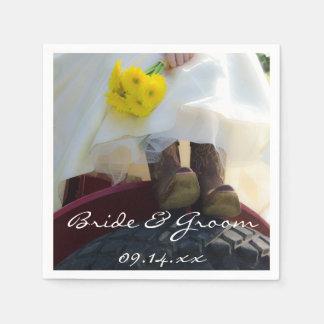 Braut auf Traktor-Land-Bauernhof-Hochzeit Papierserviette