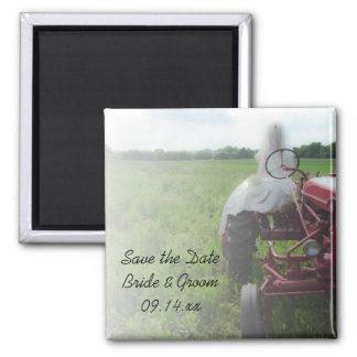 Braut-Bauernhof-Traktor-Land, das Save the Date Quadratischer Magnet