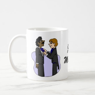 Bräutigame, die für wedding zwischen verschiedenen kaffeetasse