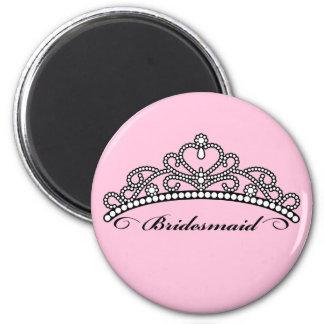 Brautjungfern-Tiara-Magnet (rosa Hintergrund) Runder Magnet 5,7 Cm