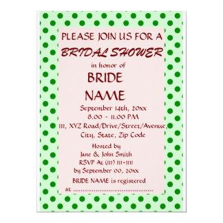 Brautparty - grüne Polka-Punkte, rosa Hintergrund 16,5 X 22,2 Cm Einladungskarte