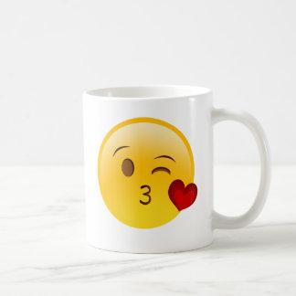Brennen Sie einen Kuss emoji Aufkleber durch Kaffeetasse